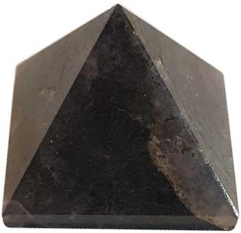 25-30mm Iolite pyramid